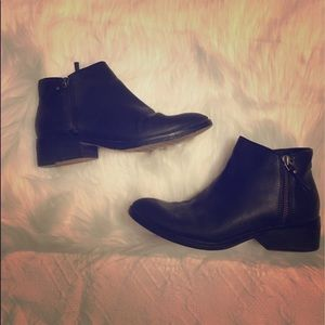 Cole Haan Haynes Bootie Boot size 7 Black Leather